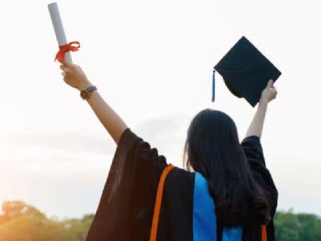 frasi per una figlia che si laurea