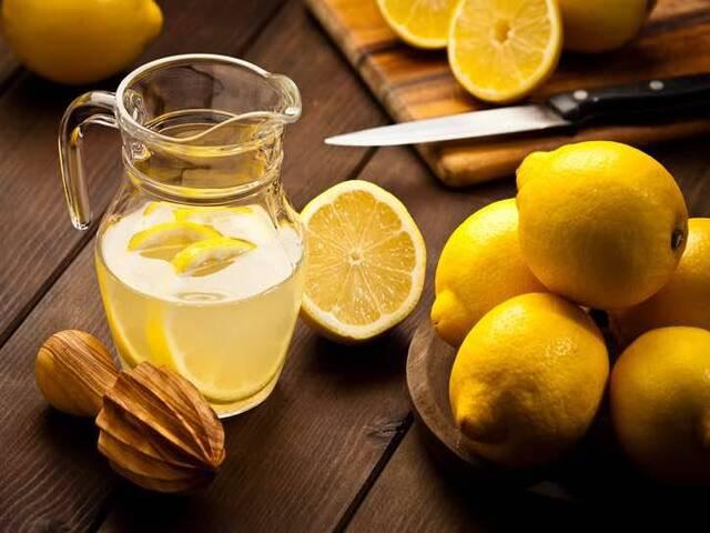 acqua calda e limone benefici