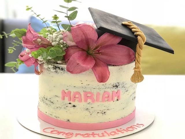 laurea torta congratulazioni foto