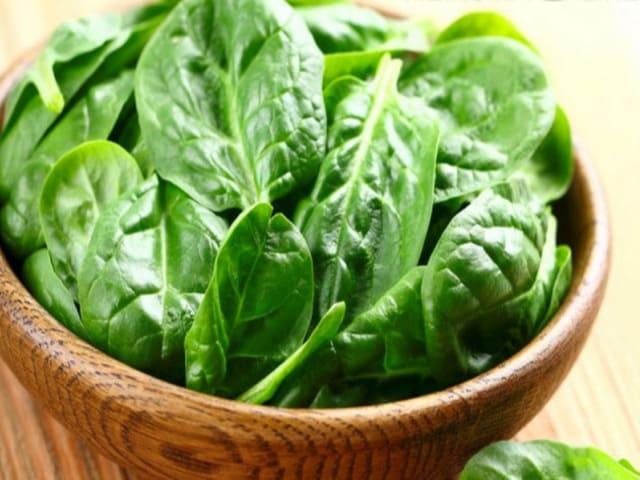 spinaci calorie