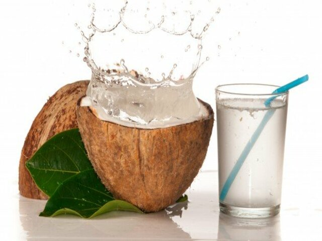 acqua di cocco benefici