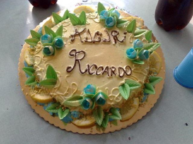 Torta auguri Riccardo