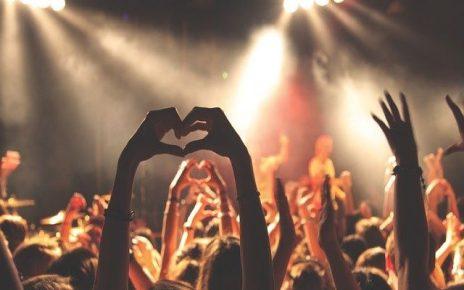 frasi sull amicizia canzoni