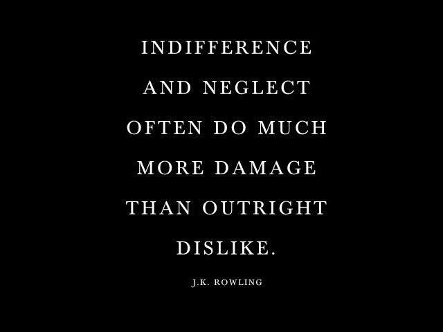 frasi indifferenza della gente