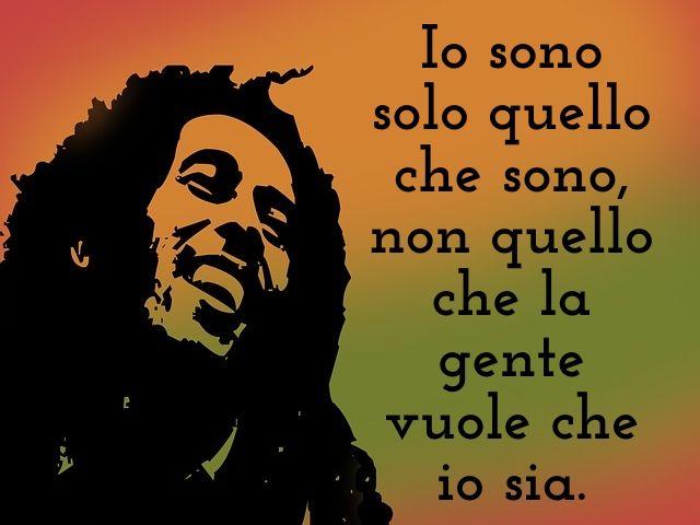 Frasi Sul Sorriso Bob Marley.Frasi Di Bob Marley 165 Pensieri Aforismi E Immagini Del Celebre Cantautore Giamaicano A Tutto Donna