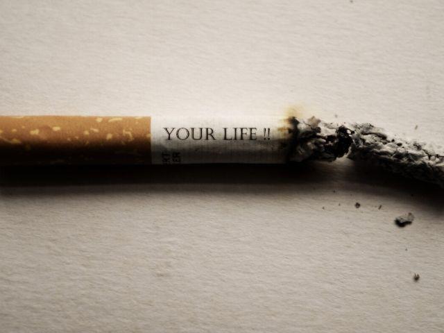 Immagini contro il fumo e il vizio