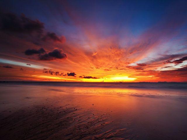 immagini tramonto sul mare