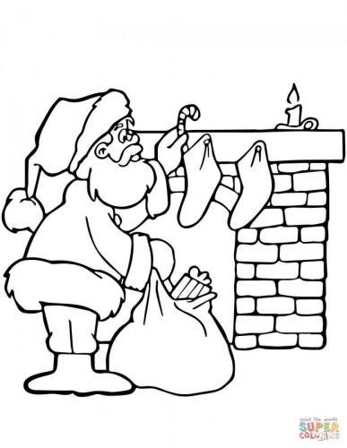 Babbo Natale vicino il camino