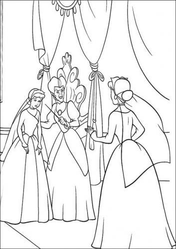 La matrigna con Cenerentola in abito da sposa