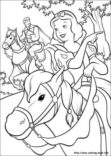 Biancaneve e il principe a passeggio