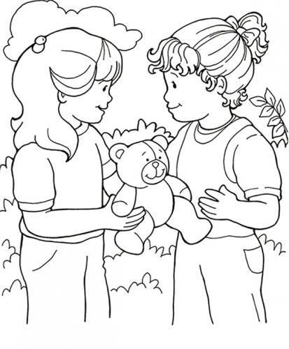 bambini con un orsetto