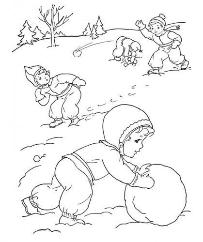 bambini che giocano con la neve