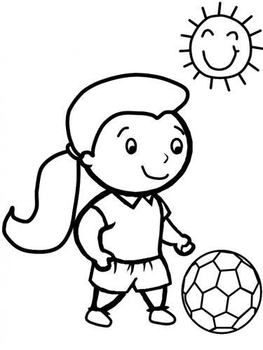 bimba che gioca a calcio