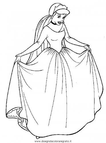 Cenerentola con l'abito da sposa