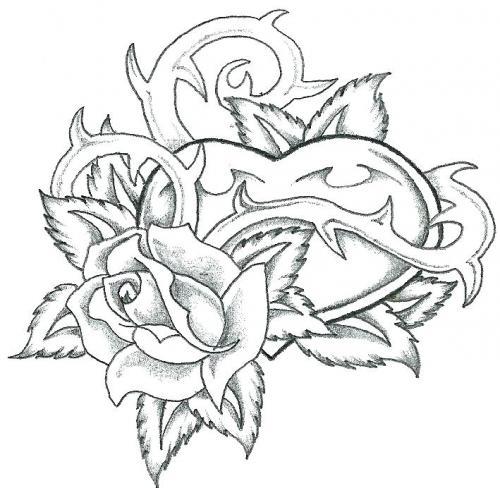 cuore intrecciato in una rosa