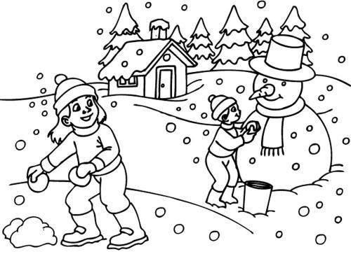 bambini che giocano sulla neve