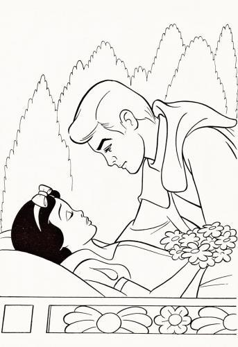 Il principe azzurro bacia Biancaneve