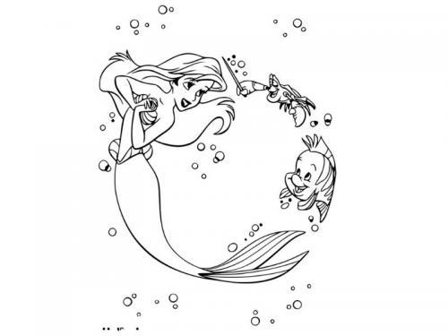 Ariel nuota